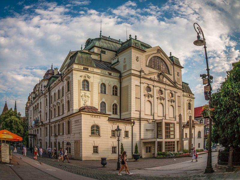 kosice-slovakia-2521519_1920.jpg