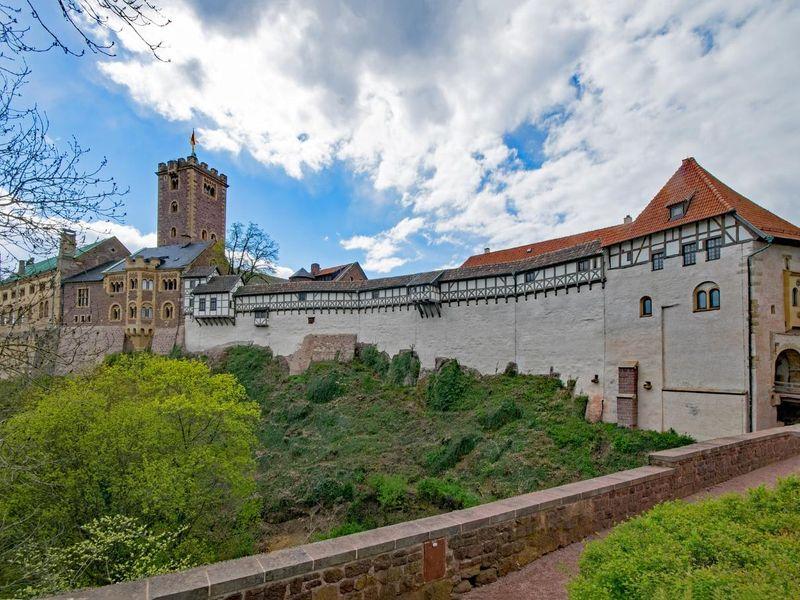 wartburg-castle-2269144_1920.jpg